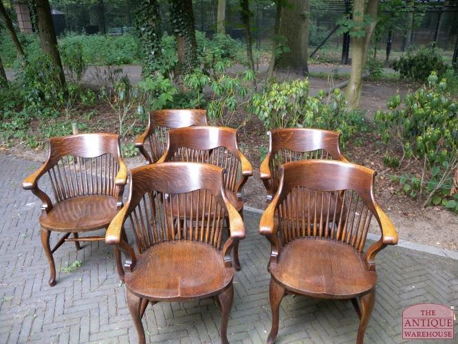 Eetkamer eetkamerstoelen set van 6 : Zeer solide en fijn zittende set van zes antieke eiken stoelen van ...
