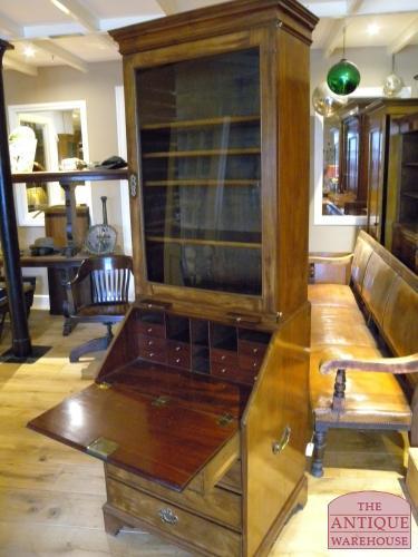 Antieke Bureau Boekenkast.Antieke Boekenkast Antieke Bureau Inrichting Antique