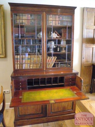 Georgian bureau boekenkast van circa 1780, door lade uit te trekken ...
