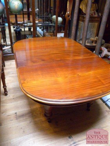 Antieke engelse tafel