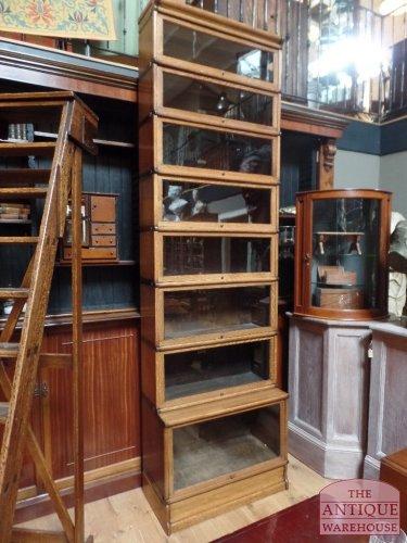 aanvulling van een hoge eiken globe Wernicke boekenkast - Antique ...