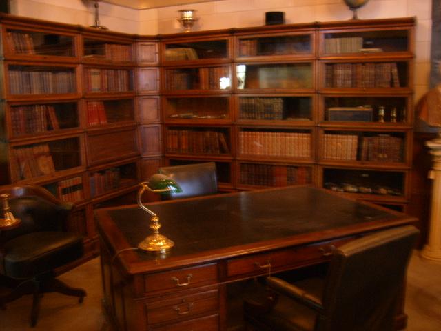 Antiek kantoor inrichting antiek interieur antique for Antiek interieur