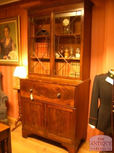 Antieke Bureau Boekenkast.Antieke Bureau Boekenkast Circa 1800 Verkocht Antique