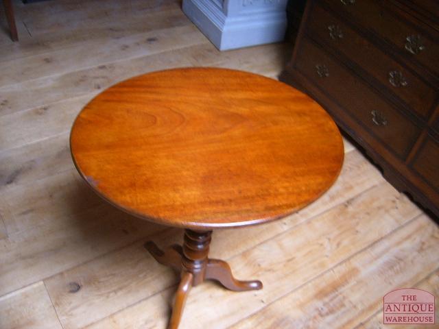 Antieke Ronde Mahoniehouten Tafel.Antieke Mahonie Tilt Top Tafel Verkocht Antique Warehouse