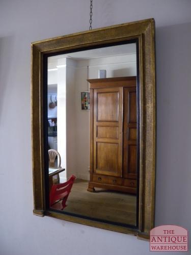 strakke antieke spiegel